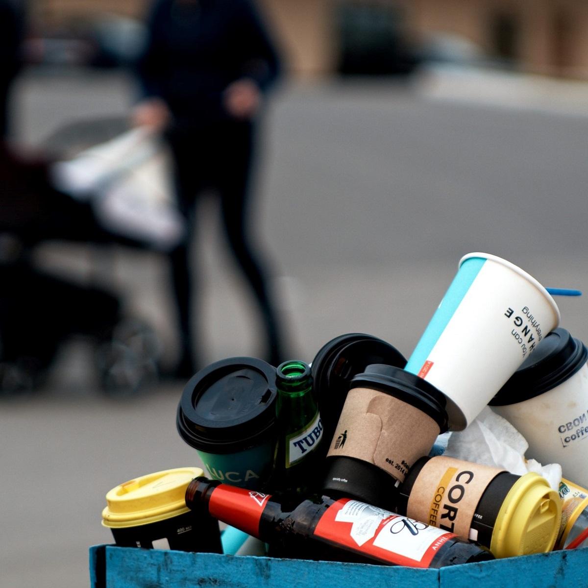 Einwegmüll soll das Plastikverbot ein Ende setzen